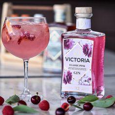 "Victoria Gin on Instagram: ""Summers perfect drink! #victoriahandcraftedgin #pinkgin"" Gin, Alcoholic Drinks, Victoria, Bottle, Rose, Glass, Instagram, Pink, Drinkware"