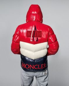 Moncler, the brand behind fashion's most popular down jacket, teams with NYC streetwear label Kith on a new capsule collection. Bubble Jacket Men, Mens Down Jacket, Womens Windbreaker, Outdoor Fashion, Cool Jackets, Men's Jackets, Best Mens Fashion, Moncler, Winter Fashion