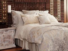 St Genève, purveyors of the highest quality, luxury Pyrus Grey products. For the Bed. For the Home. For You.