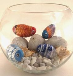 Looking for some easy painted rock ideas to get inspired by? See more ideas about Rock crafts, Painted rocks and Stone crafts. Pebble Painting, Pebble Art, Stone Painting, Rock Painting, Diy Painting, Stone Crafts, Rock Crafts, Diy And Crafts, Painted Rock Cactus