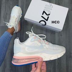 NIKE White Fila Sneakers Outfit Nike Best Picture For white fila sneakers outfit jeans For Your Tast Moda Sneakers, Cute Sneakers, Sneakers Nike, Cute Nike Shoes, Nike Air Shoes, Jordan Shoes Girls, Girls Shoes, Souliers Nike, Hype Shoes