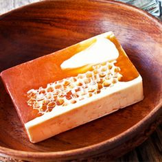 Make this honey soap recipe for a very lathering soap bar that will keep your skin soft and moisturized....link to beer soap and palm oil free recipes