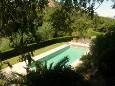 ZUID FRANKRIJK - dichtbij de stranden van St Tropez ligt dit mooie domein. Appartementen voor 2-4 personen. Speeltuintje, omheind zwembad, bbq voor gezamenlijk gebruik.  https://www.mrsnomad.nl/accommodaties/45-residence-provence-frankrijk-mr/
