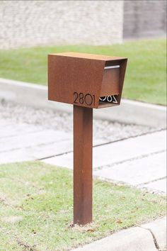 Diy Mailbox Post Ideas Unique 50 Cool Diy Address Plate Ideas Home Decor Copper Mailbox, Diy Mailbox, Modern Mailbox, Mailbox Post, Mailbox Ideas, Contemporary Mailboxes, Mailbox Landscaping, Landscaping Ideas, Mulch Landscaping