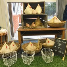 The hen house has been relocated from the barn to Kinder 🐔🐣 Farm Activities, Autumn Activities, Preschool Farm, Dramatic Play Area, Dramatic Play Centers, Ib Classroom, Easter Play, Role Play Areas, Farm Theme