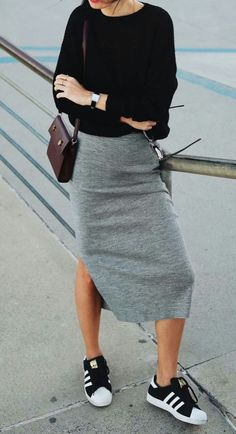 65 Great Work Outfit Ideas With Sneakers Outfits How To Style A Pair Of Black Sneaker Bag Plus Black Top Plus Grey Skirt Black Sneakers Outfit, Sneaker Outfits Women, Skirt And Sneakers, Sneakers Fashion Outfits, Sneakers Style, Girly Outfits, Mode Outfits, Casual Outfits, Grey Skirt Outfits