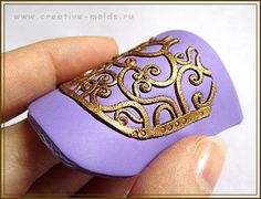 Tutorial in Russian. Polymer clay gel poured into molds?? Interesting. 8