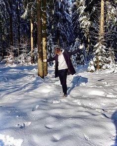 """Páči sa mi to: 12.8 tis., komentáre: 65 – (づ ◔ ͜ʖ ◔ )づ (@mattemwow) na Instagrame: """"U nás v Praze ani vločka a na hranicích tie biele ho*na padajó furt"""" Outdoor, Instagram, Outdoors, Outdoor Games, Outdoor Life"""
