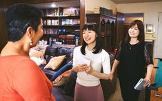 Organization Guru Marie Kondo's Netflix Show Transforms People's Homes and Their Lives. Learn Her Simple Method to Increase Joy and Decrease Clutter. Survivor Island, Shows On Netflix, Survivor Season, Sparks Joy, Marie Kondo, Reality Tv Shows, Tidy Up