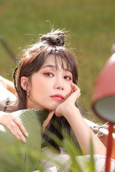 Kpop Girl Groups, Korean Girl Groups, Kpop Girls, Eun Ji, Portrait Art, Portrait Photography, Eunji Apink, Love At First Sight, Just The Way