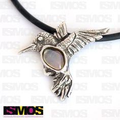 ISMOS Joyería: dije de colibrí en plata con piedra luna // ISMOS Jewelry: silver humming bird pendant with moon stone