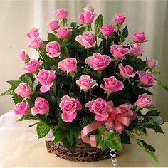 Friendship Day Flower Arrangements Florists In India has good quality fresh flower arrangements for friendship day & other occasions. Order and send flowers online for friendship day with free home delivery in India. Beautiful Flowers Pictures, Beautiful Pink Roses, Amazing Flowers, Pretty Flowers, Flower Images, Flower Pictures, Rose Basket, Flower Basket, Send Flowers Online