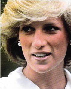 Princess Diana , Cheltenham - Le 13 Mai  1983 _ Suite