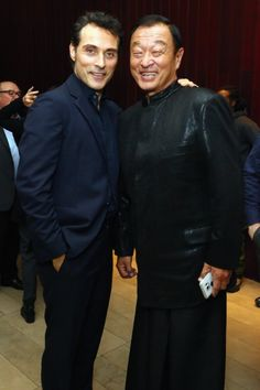 Rufus Sewell and Cary-Hiroyuki Tagawa at event of The Man in the High Castle (2015)