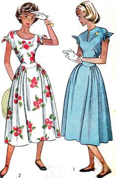 Vintage Sewing Pattern 1940s Simplicity 2438 Sundress with Gathered Skirt and Shoulder Bows, Scoop Neck or Slit Neckline Size 14 Bust 32. $14.00, via Etsy.