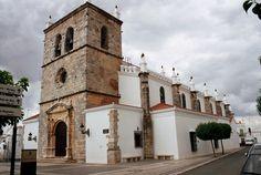 Olivenza – en Badajoz, EXTREMADURA / Por DiogoVSa – Panoramio / La Iglesia de Santa María Magdalena (+) es un edificio de estilo manuelino construida pelos hermanos Diego y Francisco de Arruda, los mismos que hicieron el Monasterio de los Jerónimos y la Torre de Belén en Lisboa. Olivenza fue una ciudad portuguesa hasta 1801, a causa de la Guerra de las Naranjas.