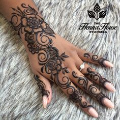 Thanks for booking your bridal trial Sharron! - ink and piercings - Henna Designs Hand Pretty Henna Designs, Indian Henna Designs, Finger Henna Designs, Arabic Henna Designs, Mehndi Designs For Fingers, Wedding Mehndi Designs, Mehndi Art Designs, Henna Designs Easy, Latest Mehndi Designs