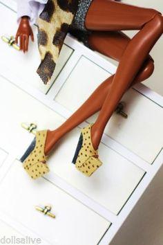 Dollsalive fashion royalty, fr2 beige leather high heel shoes