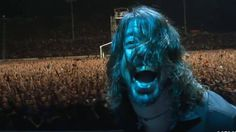 I so ❤️ this shot of Dave in this video. Classic Foo Fighters 'These Days' Video Features Footage From Earthquake-Triggering Concert Foo Fighters These Days, Pat Smear, There Goes My Hero, Taylor Hawkins, Art Of Noise, Stone Temple Pilots, Star Pictures, Star Pics, Dave Grohl