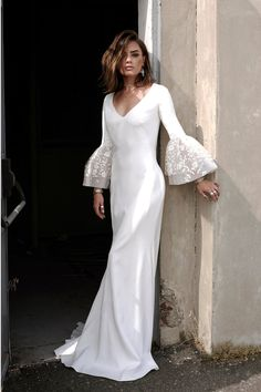 Wedding Dresses 2018 Trends - The Stylish Gowns You Need To See (BridesMagazine.co.uk)
