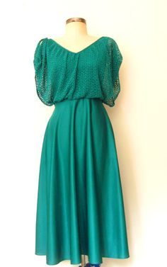 ✸ 70s Jewel-tone Teal CROCHET & SHINE Dress:  www.Lolavintage.com