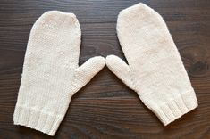 How to Knit: Basic Mittens