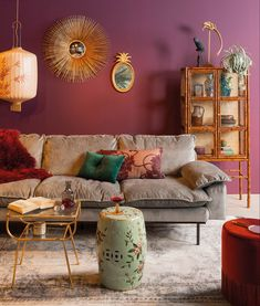 A bohemian interior in 5 steps – All For Decoration Bohemian Interior, Bohemian Decor, Vintage Bohemian, Home Living Room, Living Room Decor, Bedroom Decor, Wall Decor, Interior Bohemio, Sala Vintage
