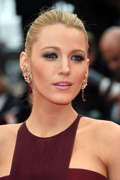 Blake Lively is such a beauty and this makeup bring it out even further!