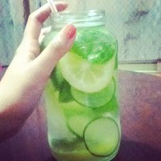 Detox diet drink in a glass jar . tasty to drink as a normal beverage so hey why not multitask ! Detox Diet Drinks, Smoothie Drinks, Healthy Drinks, Get Healthy, Smoothies, Weight Loss Meal Plan, Healthy Weight Loss, Cucumber Detox Water, Summer Diet