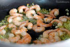 Segundo meu marido a melhor massa que ele comeu na vida! E uma das minhas preferidas também! Quem não curte frutos do mar pode trocar o camarão por frango que fica muito bom. As quantidades abaixo …