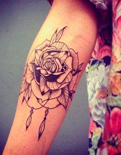 Tatouage fleur fin