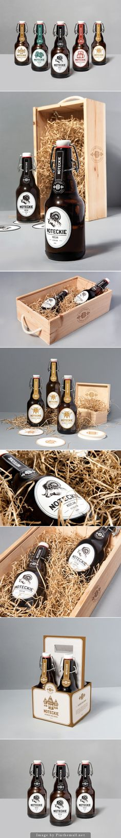 Chose this as I love the aesthetic look of the wooden boxes filled with hay for packaging. Coffee Packaging, Beverage Packaging, Bottle Packaging, Food Packaging, Brand Packaging, Branding, Beer Label Design, Gifts For Beer Lovers, Beer Brands
