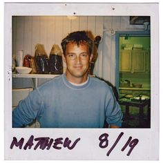 matthew perry in the Serie Friends, Friends Cast, Friends Moments, Friends Tv Show, Friends Forever, Friend Tumblr, Friend Memes, Chandler Friends, Friends Phoebe