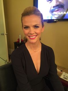Brooklyn Decker in the makeup room before guest cohosting with Michael Strahan! Gorgeous makeup by @michchampagne