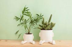 Handgefertigte Keramik Töpfe. für Kakteen oder kleine Pflanzen wie Minze, Basilikum oder Thymian. Entdeckt auf etsy.com.