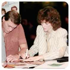 Richard and Karen, signing autographs. Richard Carpenter, Karen Carpenter, Her Music, Music Is Life, Karen Richards, Beautiful Voice, Her Brother, American Singers, Forever Young