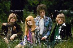 Sixties fashion hippys, General 1960 c.(c) TopFoto / Alinari Archives