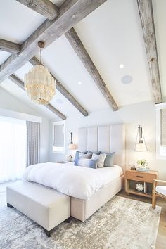 Dunn Edwards Dec786 Whisper Grey Bedroom Paint Color With Reclaimed Wood