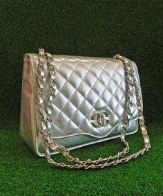 Τσάντα ώμου σανέλ ασημί | Vaya Fashion Boutique