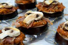 Minipizzas #paleo de berenjena, jamón serrano, salsa de tomate y champiñón #glutenfree #dairyfree