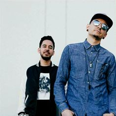 Chester and Mike from Linkin Park, i think their rap- hard rock combo is simply brilliant Chester Bennington, Charles Bennington, Chester Rip, Linkin Park Chester, Mike Shinoda, Linkin Park Soldier, Linking Park, Best Bud, Rockn Roll