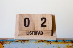 wooden calendar od ekodizajn
