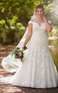 521f69728816e D2352+ Plus-Size Vintage Wedding Gown by Essense of Australia Wedding  Dresses Plus Size