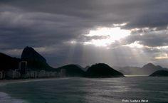 https://flic.kr/p/NHLDBH | Fez-se luz | Copacabana em dia nublado