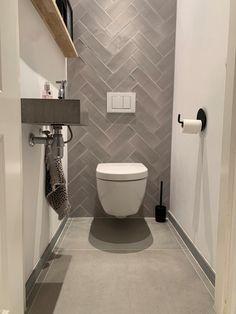 Toilet Tiles Design, Interior Design Toilet, Small Toilet Design, Wc Design, Bathroom Design Small, Modern Toilet Design, Small Downstairs Toilet, Small Toilet Room, Guest Toilet