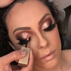 Eye makeup inspo 😍😍😍😍😍 via ✨ Stilla Glitter Eyeshadow, Glitter Eyeshadow Tutorial, Bridal Eye Makeup, Bridal Makeup Looks, Wedding Makeup, Sexy Makeup, Glam Makeup, Beauty Makeup, Makeup Eyes