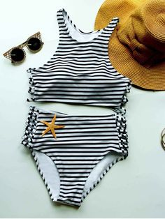 Find the latest and trendy styles of sports bikini - sport bikini top, sporty swimsuits and bathing suits at ZAFUL. We are pleased you with the latest fashion trends sport bikini. High Neck Swimwear, Bikini Swimwear, Swimwear Fashion, Bikini Tops, Striped Bikini, Bra Styles, Look Fashion, Trendy Fashion, Fashion Site