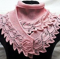 A narrow scarf / shawlette / collar in garter stitch, wider at the middle and narrow at the tips, with a leaf-lace edging. Looks like a Turkish pattern forum, m Marianna Gil na Stylowi. Knitting Stiches, Lace Knitting, Crochet Stitches, Knitting Patterns, Crochet Patterns, Knitted Shawls, Crochet Shawl, Knit Crochet, Tricot D'art