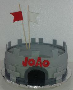 Bolo Torre do JOÃO ... How to Train your Dragon