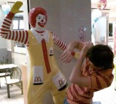 12 Funniest and Most Inappropriate Ronald McDonald Photos - Oddee.com (ronald mcdonald images, funny mcdonald pictures)